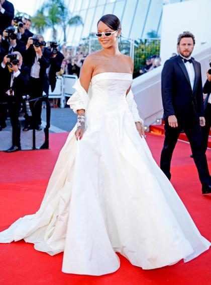 Rihanna roba todas las miradas en la alfombra roja del Festival de Cannes 2017