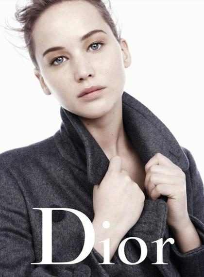 Fotos de Jennifer Lawrence quase sem maquiagem são divulgadas