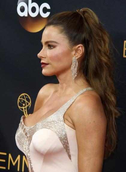¡Tutorial a la vista! Maquíllate y péinate como Sofía Vergara en los Emmys (+ Foto)