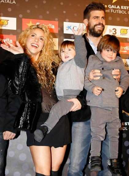 """WOW! Piqué prometió un tercer hijo con Shakira porque """"harán mucho el amor"""" (+ Video)"""