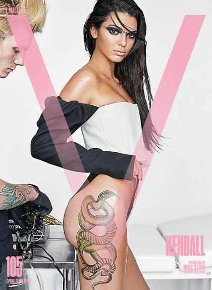 Kendall Jenner posa com tatuagem de cobra para a V Magazine