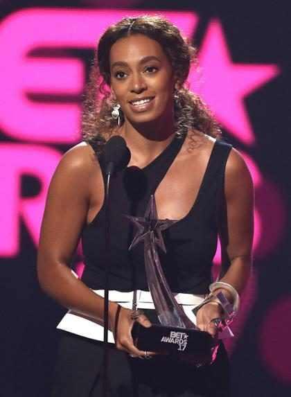 Solange Knowles celebra su triunfo en los BET Awards 2017