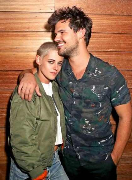 Kristen Stewart e Taylor Lautner se reencontram em festa da Moschino