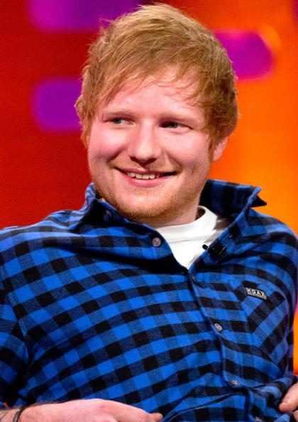 Ed Sheeran esconde mensagem para fã em um de seus álbuns
