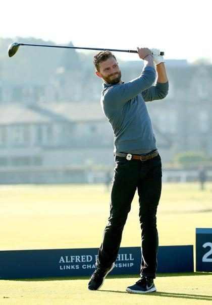 Jamie Dornan de 50 Tons de Cinza é flagrado jogando golfe
