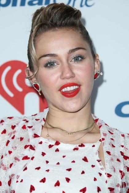 Miley Cyrus decidió tatuarse el rostro de un gran amor