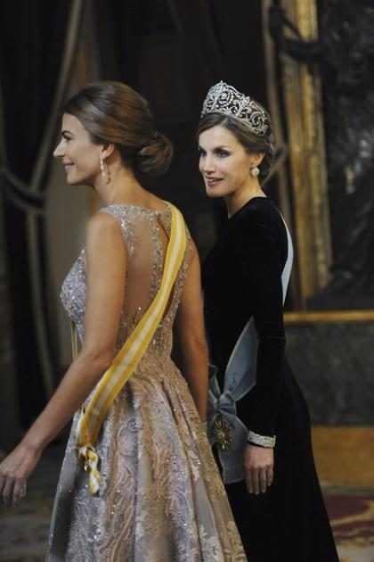 Juliana Vs. Letizia ¿Cuál ganó esta batalla fashionista? (+ Fotos)