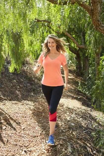 ¡Esta mujer perdió casi 50 kilos solamente  caminando! (+ Foto)