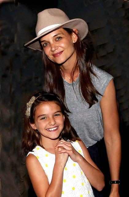 OMG! Katie Holmes comprobó que ella y Suri Cruise son prácticamente la misma persona ¡Míralas! (+ Fotos)