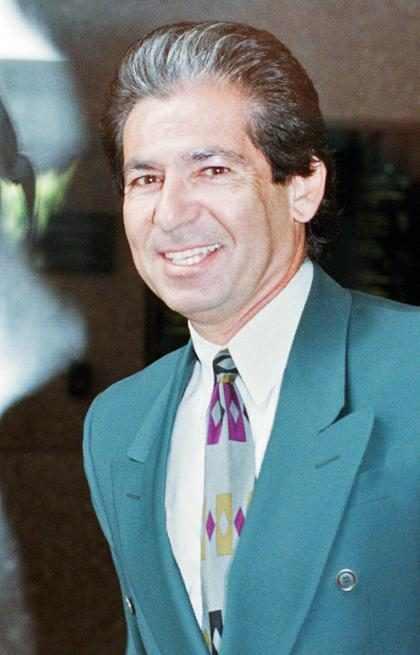 Robert, pai das irmãs Kardashian, é homenageado por Romero Britto