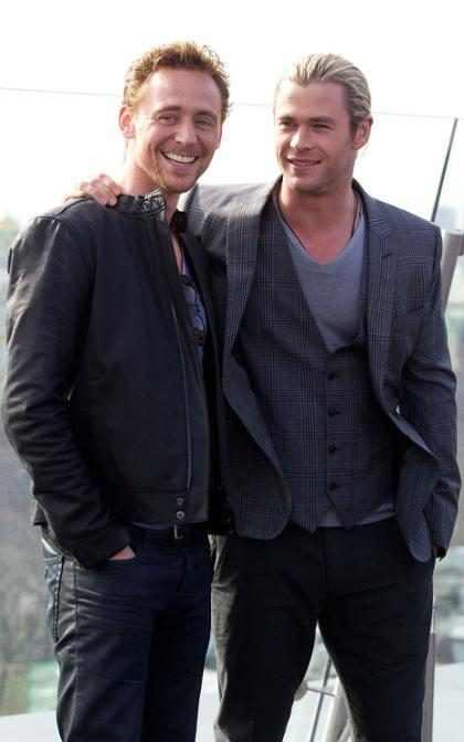 Chris Hemsworth y Tom Hiddleston se inspiran en Taylor Swift y nos derriten el corazón (+ Fotos)