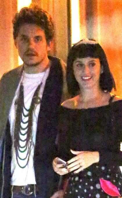 Katy Perry e John Mayer aumentam suspeitas sobre noivado