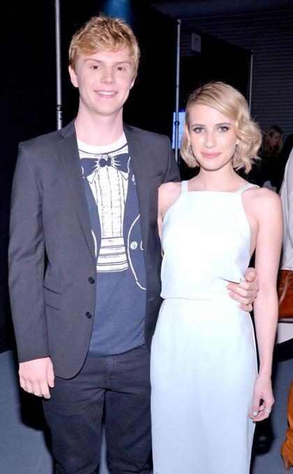 Emma Roberts y Evan Peters confirmaron de la manera más millennial posible que están juntos de nuevo (+ Fotos)