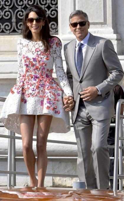 George Clooney se casa em Veneza em cerimônia simbólica