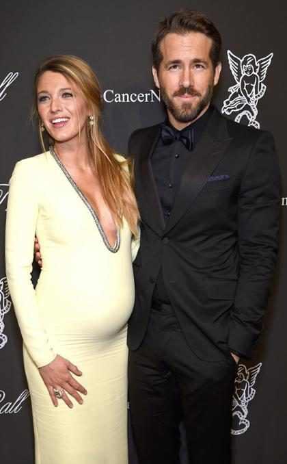 Blake Lively e Ryan Reynolds divulgam a primeira foto da filha