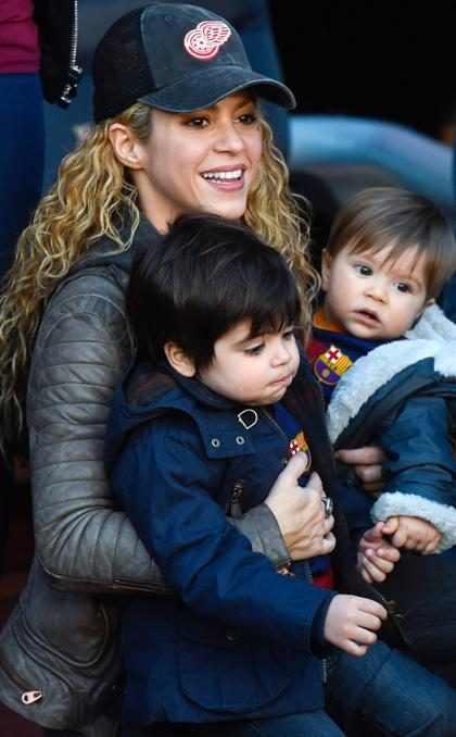 Sasha Piqué, el hijo menor de Shakira, es fotografiado tras salir del hospital (+ Fotos)