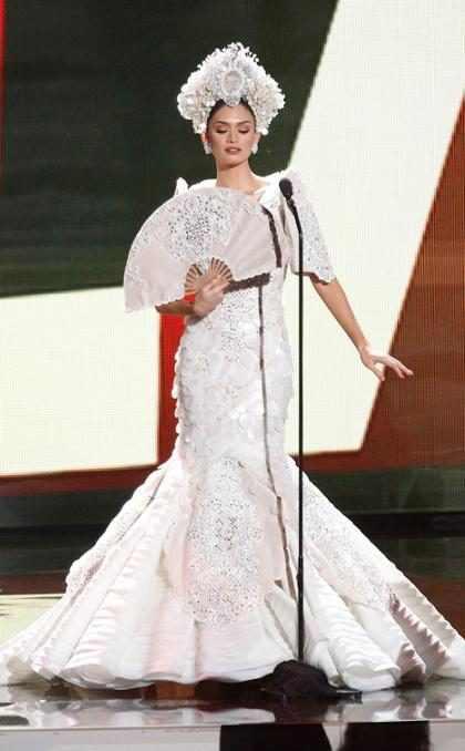 Brillantes y muy raros, así son algunos trajes típicos del Miss Universo 2017
