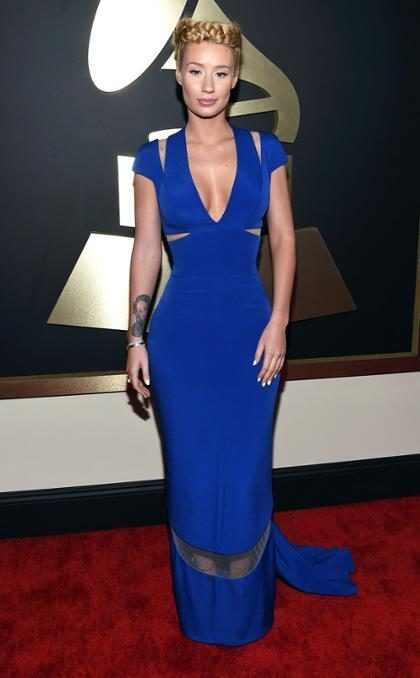 Iggy Azalea usa penteado estranho no Grammy 2015 e vira meme na internet
