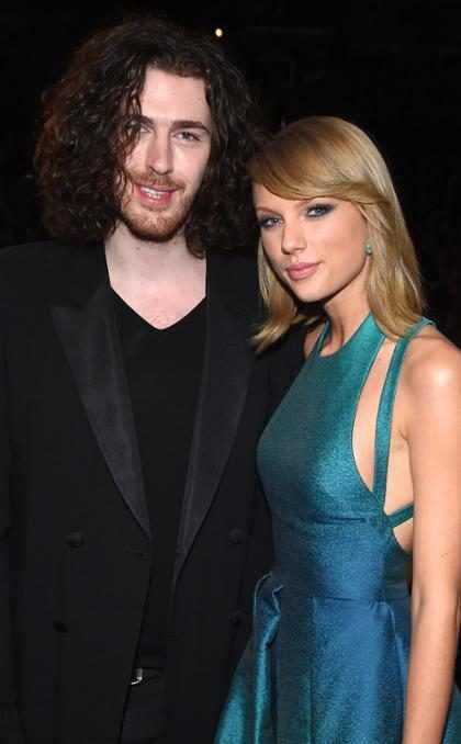 Taylor Swift e Hozier passam a noite conversando em festa pós Grammy