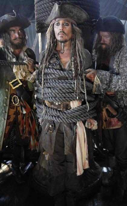 Johnny Depp est&aacute; de vuelta con <em>Pirates of the Caribbean: Dead Men Tell No Tales</em> &iexcl;Mira un adelanto! (+ Video)
