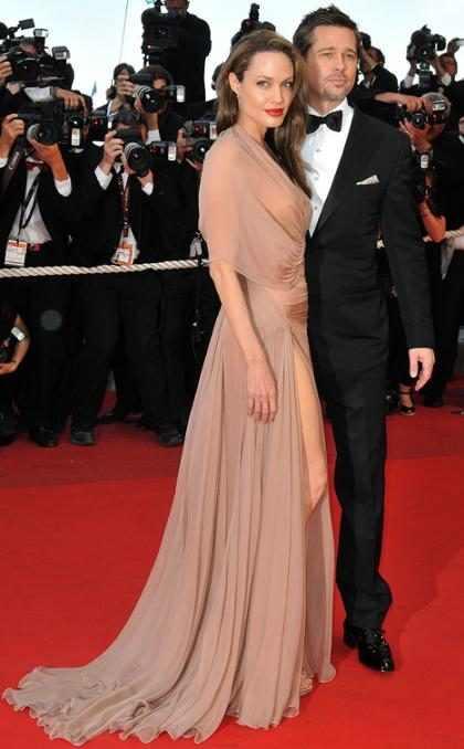 El fin de Brangelina: Así fue el vestido con el que Angelina Jolie se casó con Brad Pitt (+ Fotos)