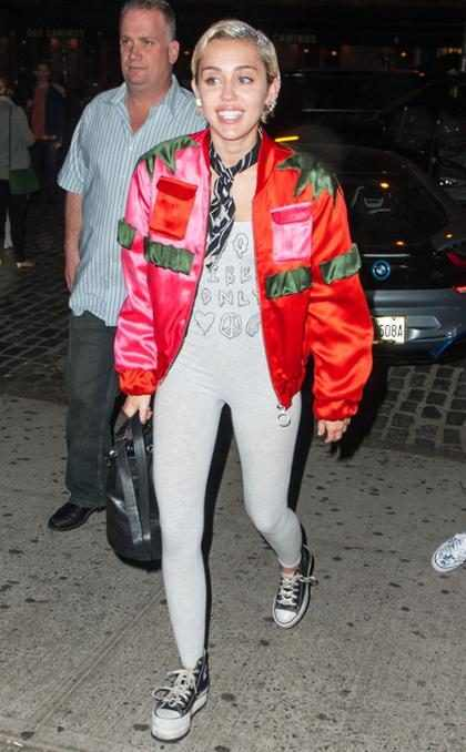 Miley Cyrus divulga trecho de nova música