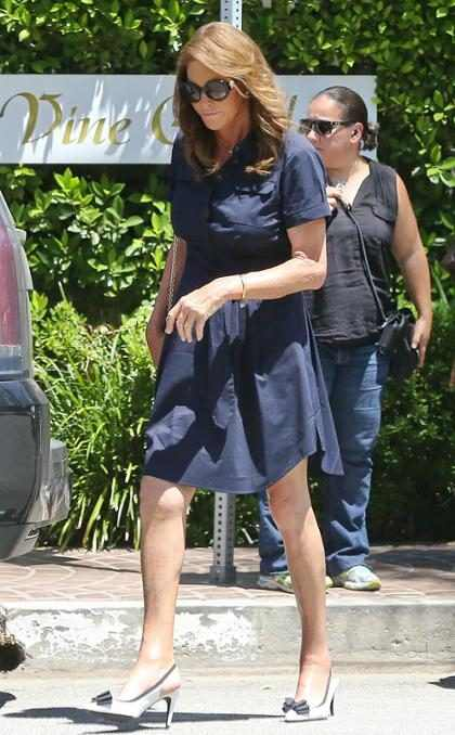 Caitlyn Jenner é convidada para sair em um encontro