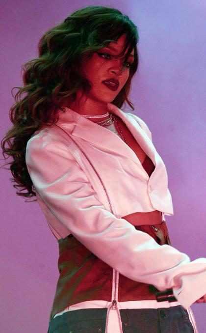 Rihanna no se tomó fotos con nadie en Chile… Solo con estos afortunados (+ Fotos)