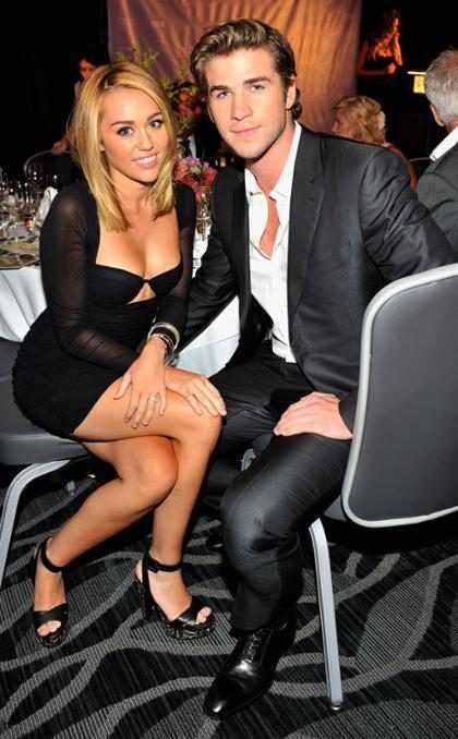Miley Cyrus faz tatuagem em homenagem a Liam Hemsworth?