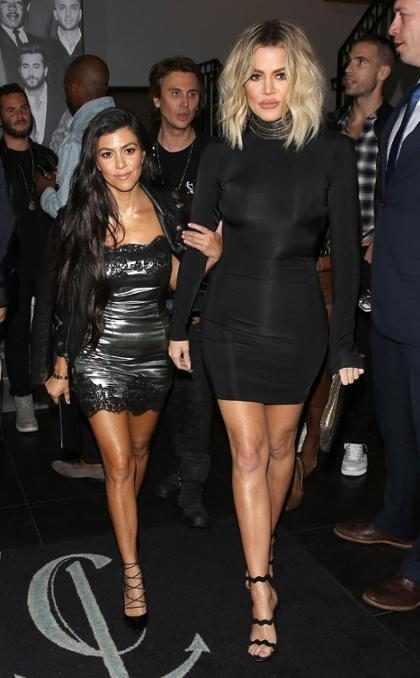 Khloé Kardashian muestra su pancita mientras entrena con Kourtney Kardashian