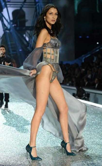 Así fue el incómodo encuentro entre Bella Hadid y The Weeknd en el Victoria's Secret Fashion Show (Foto + Video)