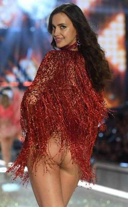 OMG! Irina Shayk está embarazada de Bradley Cooper y… ¡Desfiló su panza para Victoria's Secret! (+ Foto)