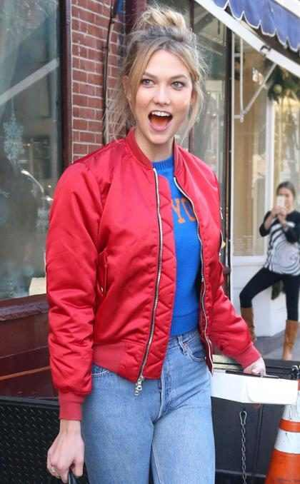 Karlie Kloss se divierte haciendo caras a sus fans en Nueva York