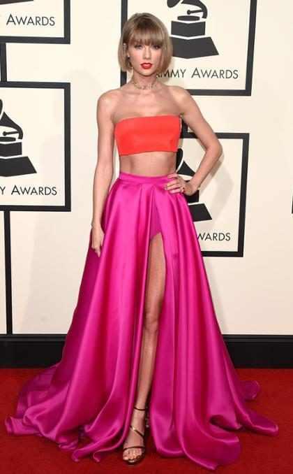 El look que eligió Taylor Swift para los Grammys 2016 nos resulta muy familiar… ¡Y esta es la razón! (+ Fot