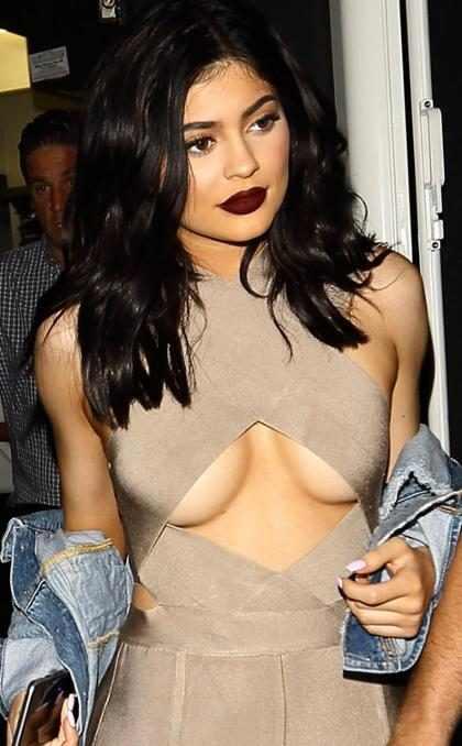 Así es cómo reacciona Kylie Jenner cada vez que el mundo entero la embaraza (+ Video)