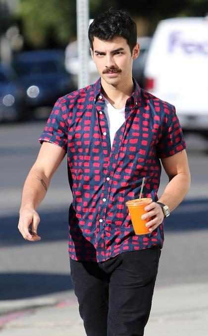 Joe Jonas sigue los pasos a Taylor Swift