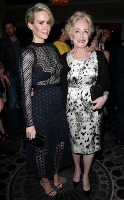 Sarah Paulson y su novia fueron la pareja más romántica de los Emmys (+ Fotos)