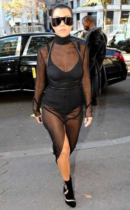 La decoración de Halloween de la casa de Kourtney Kardashian merece aplausos de pie (+ Fotos)