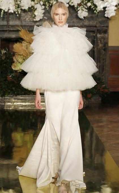 Un impresionante look del New York Bridal Fashion Week