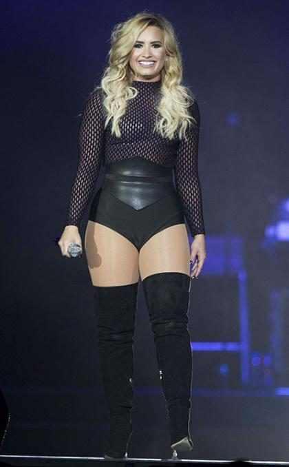 OMG! Demi Lovato intensifica su guerra contra Taylor Swift y ahora sale con uno de sus famosos ex's (+ Fotos)