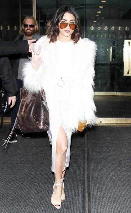 Vanessa Hudgens pasea su elegancia luego de filmar unas entrevistas promocionales