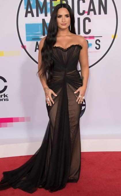 Mira por qu&eacute; Demi Lovato fue acompa&ntilde;ada a los <em>AMA&#8217;s</em> con una mujer transg&eacute;nero