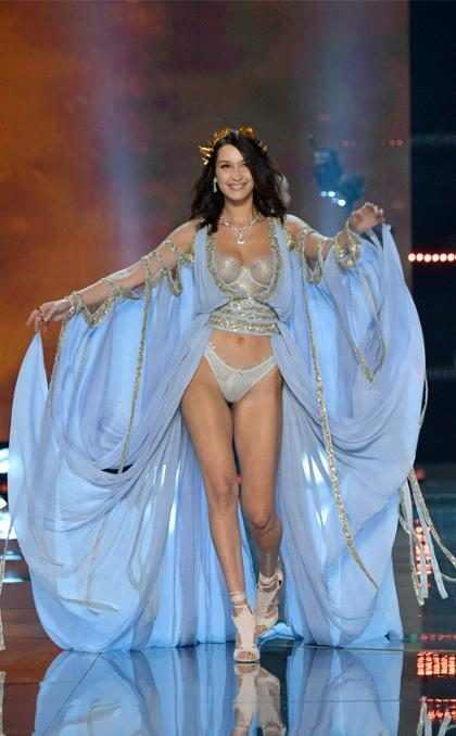 Mira a Bella Hadid, Alessandra Ambrosio y más en el Victoria's Secret Fashion Show 2017