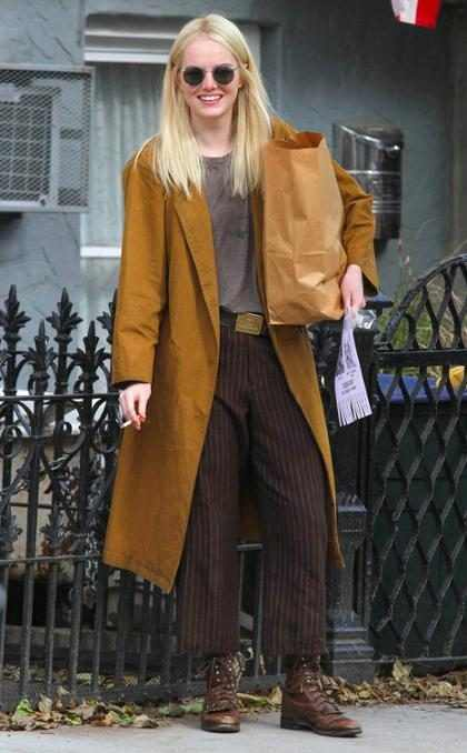 Emma Stone feliz mientras filma su pr&oacute;xima serie para Netflix, <em>Maniac</em>&hellip;