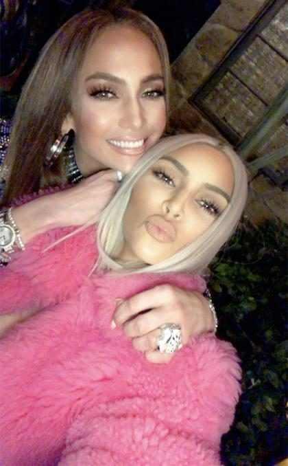 ¡Kim Kardashian y Jennifer Lopez se reunieron para una divertida noche de tacos!