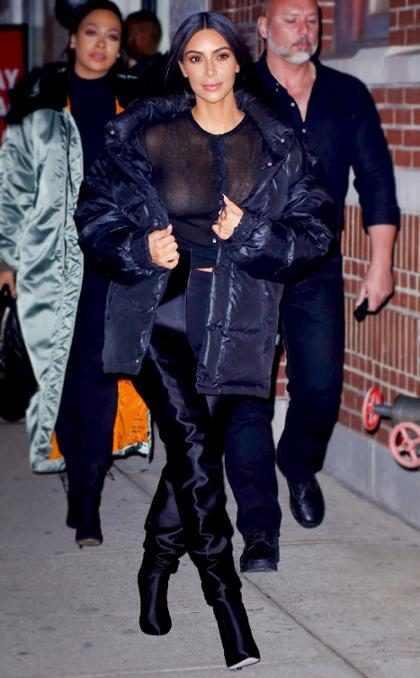 Kim Kardashian rouba lip kits de Kylie Jenner e distribui aos fãs