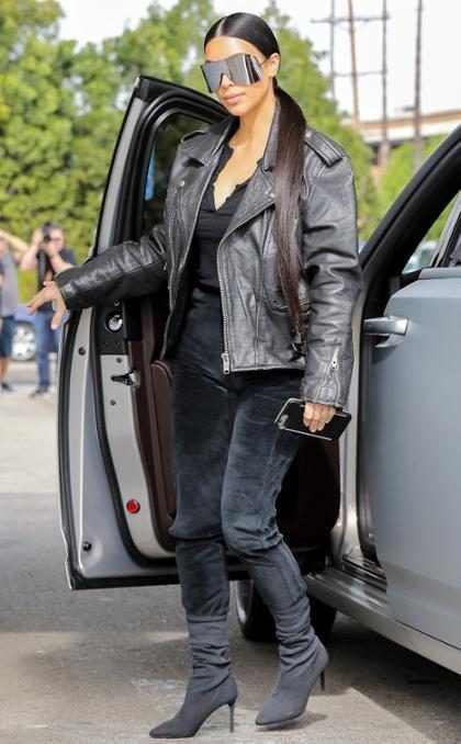 Kim Kardashian mostró la primera revista en la que apareció y nunca adivinarías cuál fue (+ Videos)