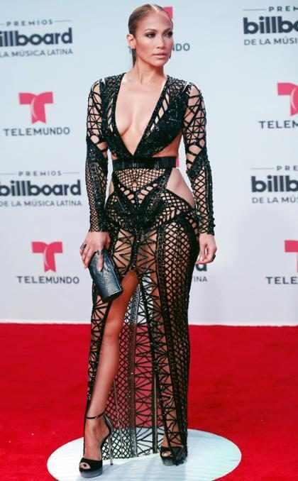 Jennifer Lopez estrenó su nueva canción en español en los Latin Billboards y tienes que escucharla