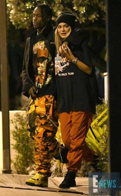 Kylie Jenner recibió 443 rosas de Travis Scott después de convertirse en madre