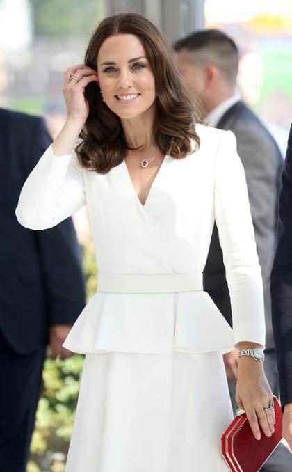 La gente está convencida de que Kate Middleton ya había revelado su embarazo durante su viaje a Polonia